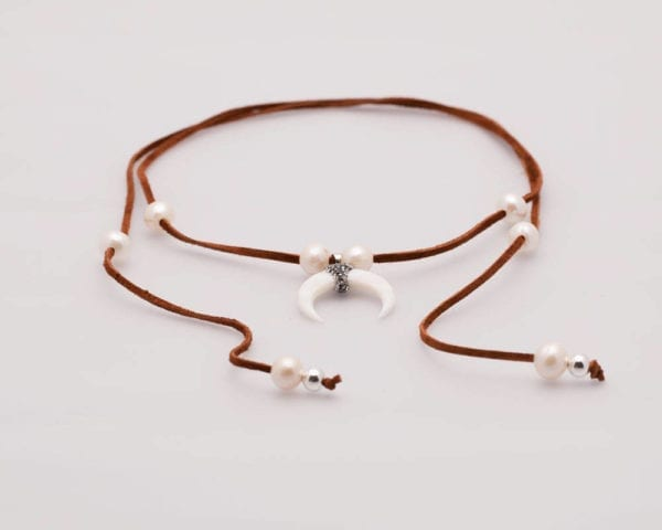Long Leather Pearl Lariat Necklace, Boho-Chic, Adjustable choker, Shell and diamanté pendant