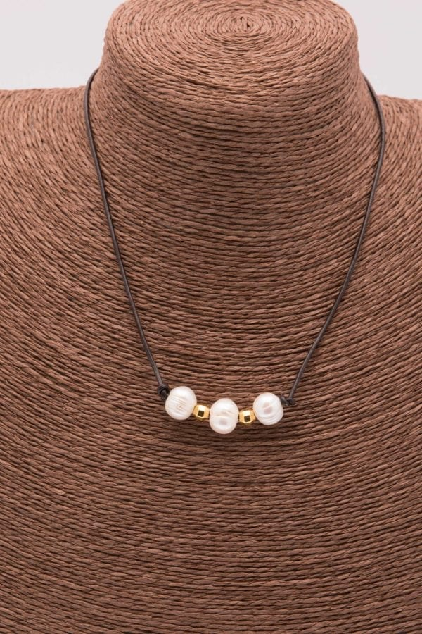 Dainty Three Pearl Choker, 3 Pearl Leather Necklace, Simple Pearl Choker with Gold Beads